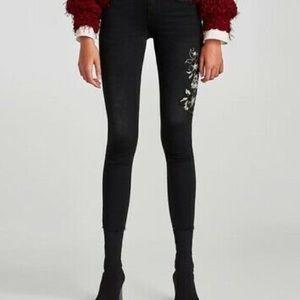 ZARA | Embroidered black jeans